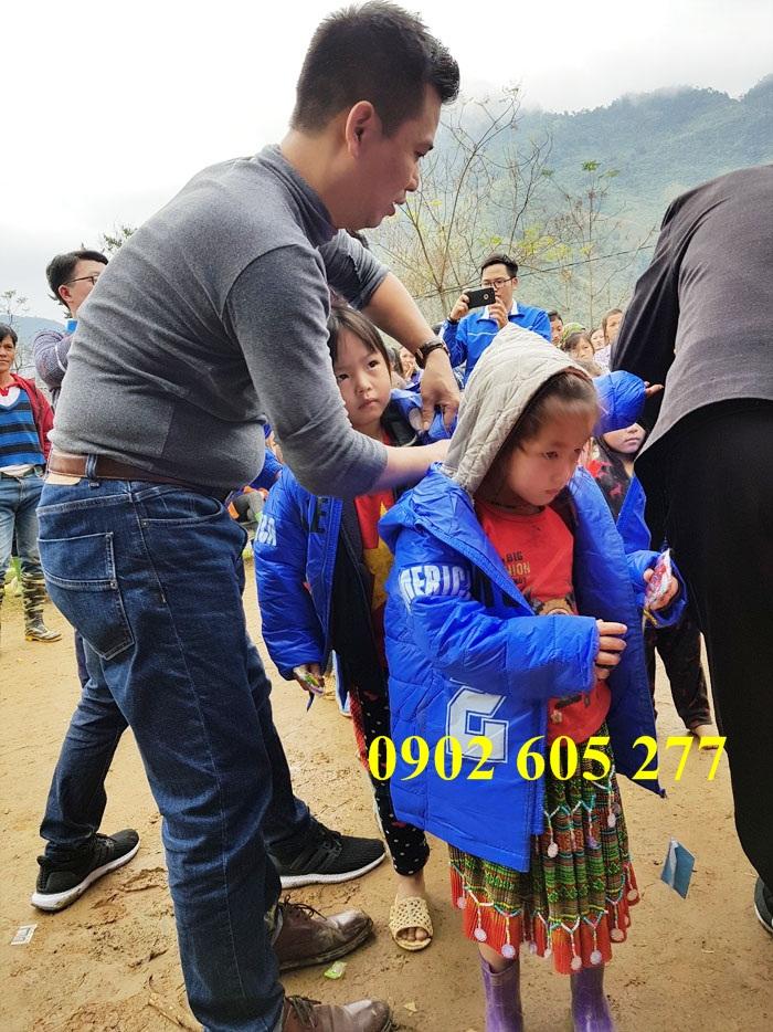 Thanh lí kho áo khoác từ thiện giá 50k – ao khoac tu thien 50k