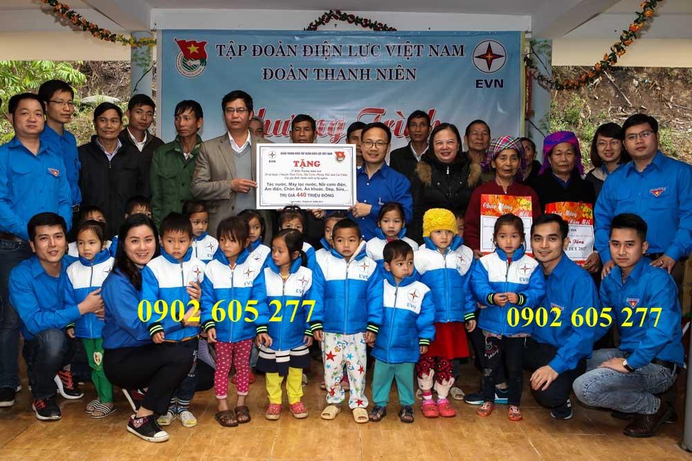 Mua số lượng lớn áo ấm từ thiện cho trẻ em ở tỉnh Quảng Trị