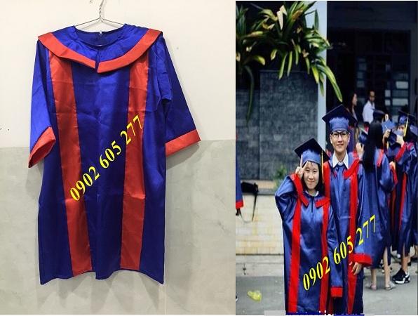Đặt áo tốt nghiệp ra trường cho học sinh lớp 9