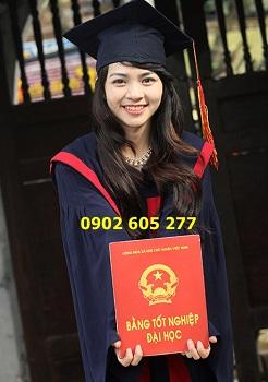 Trung tâm anh ngữ mua áo tốt nghiệp để trao bằng